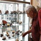"""Die Ausstellung """"Bleiminerale"""" interessierte viele Besucher."""