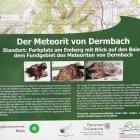 Hinweistafel zum Meteoriten von Dermbach am Parkplatz Emberghütte bei Oberalba/Dermbach
