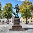 Marktplatz Marienberg, Standbild des Stadtgründers Herzog Heinrich der Fromme Die Stadt wurde 1521 -zwei Jahre nach Beginn des Bergbaus -gegründet.